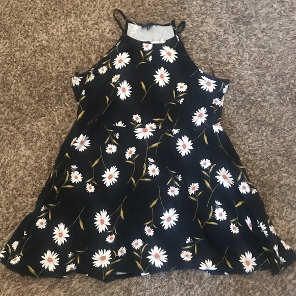 Forever 21 Dresses & Skirts - *forever 21+* 🌼🌼stretch daisy dress 🌼🌼